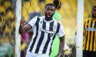 Ο Φερνάντο Βαρέλα του ΠΑΟΚ πανηγυρίζει γκολ που σημείωσε κόντρα στον Άρη σε αναμέτρηση για τα playoffs της Super League 1 2019-2020 στο 'Κλεάνθης Βικελίδης' | Κυριακή 28 Ιουνίου 2020