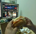 Τρώγοντας όλη μέρα: μία βάρδια στο Contra.gr