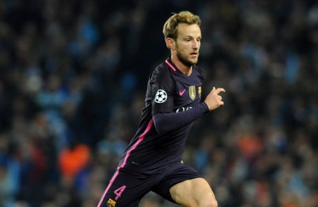 Barcelonas Ivan Rakitic during the Champions League group C soccer match between Manchester City and Barcelona at the Etihad stadium in Manchester, England, Tuesday, Nov. 1, 2016. (AP Photo/Rui Vieira)
