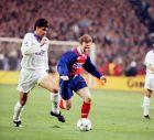 """Μίτσελ και Φουρνιέ στο πρώτο ματς της Ρεάλ με την Παρί για το Κύπελλο Κυπελλούχων στο """"Μπερναμπέου"""" (3/3/1994)"""