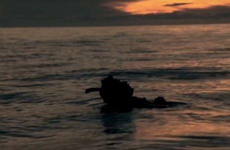 O Ρομπ Χιούιτ έμεινε 75 ώρες παγιδευμένος στον ωκεανό. Κατάφερε να ζήσει