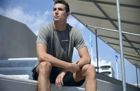 Ο αργυρός πρωταθλητής κόσμου 2019 στα 50μ. ελεύθερο, Κριστιάν Γκολομέεβ, σε φωτογράφιση στο Δημοτικό Κολυμβητήριο Αλίμου για τη συνέντευξή του στο Contra.gr, Δευτέρα 9 Σεπτεμβρίου 2019