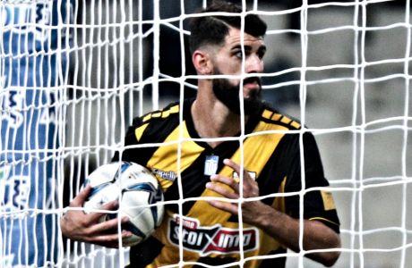 Ο Νέλσον Ολιβέιρα της ΑΕΚ μόλις έχει σκοράρει κόντρα στον Ατρόμητο σε αναμέτρηση για τη Super League 1 2019-2020 στο Ολυμπιακό Στάδιο, Κυριακή 3 Νοεμβρίου 2019