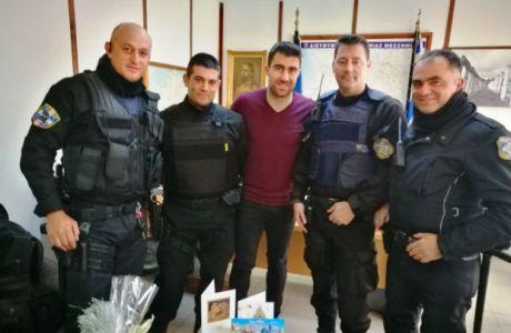 Το δώρο του Σωκράτη στους Μεσσήνιους αστυνομικούς