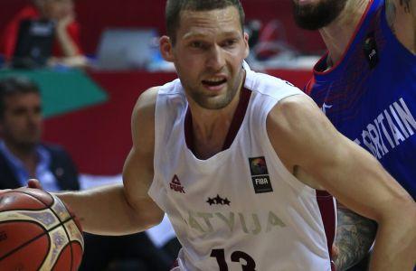 Αγωνία για τον Στρέλνιεκς σε Λετονία και Ολυμπιακό