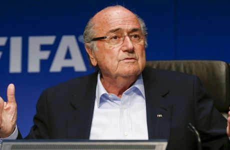 FIFA President Sepp Blatter gestures as he addresses a news conference after a meeting of the FIFA executive committee in Zurich September 26, 2014. REUTERS/Arnd Wiegmann  (SWITZERLAND - Tags: SPORT SOCCER HEADSHOT)