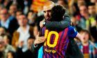 """Η τελευταία, ιστορική αγκαλιά Γουαρδιόλα (ως προπονητή των """"μπλαουγκράνα"""") και Μέσι στο """"Καμπ Νόου"""", στη διάρκεια του παιχνιδιού Μπαρτσελόνα - Εσπανιόλ 4-0 (5/5/2012)."""