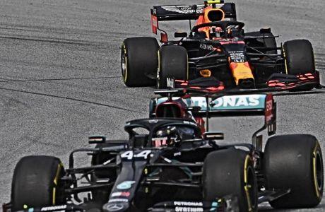 Η αντιδικία της Red Bull με τη Mercedes άρχισε ημέρα Παρασκευή 3/7 και συνεχίζεται έως σήμερα, με τη γερμανική εταιρία να ενημερώνει πως σταματάει να παίζει άμυνα και είναι έτοιμη να βγει στην επίθεση.