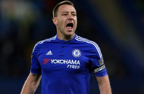 LONDON, ENGLAND - DECEMBER 26:  John Terry of Chelsea shouts during the Barclays Premier League match between Chelsea and Watford at Stamford Bridge on December 26, 2015 in London, England.  (Photo by Catherine Ivill - AMA/Getty Images)