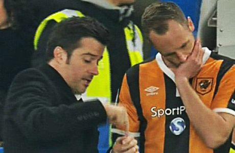 Όταν ο Μάρκο Σίλβα έδωσε οδηγίες και μπέρδεψε τον παίκτη του!