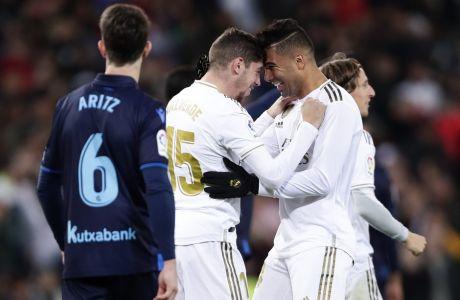 Ο Φεντερίκο Βαλβέρδε πανηγυρίζει ένα γκολ με τη φανέλα της Ρεάλ Μαδρίτης