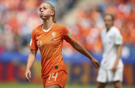 Netherlands' Jackie Groenen reacts after missing a chance during the Women's World Cup Group E soccer match between New Zealand and the Netherlands in Le Havre, France, Tuesday, June 11, 2019. (AP Photo/Francisco Seco)