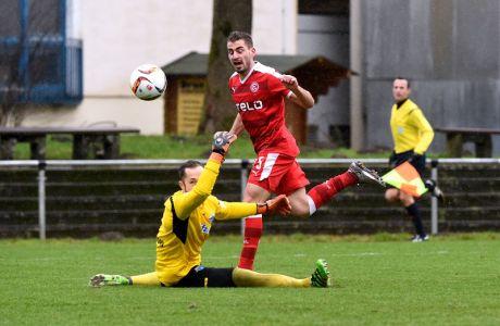 Mavrias Charalampos erzielt das 1:0 Paderborn - Fortuna Düsseldorf in Bad Lippspringe am 30.1.16