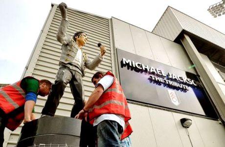 "Aλ Φαγέντ: ""Η απομάκρυνση του αγάλματος του Μ.Τζάκσον έφερε γρουσουζιά"""