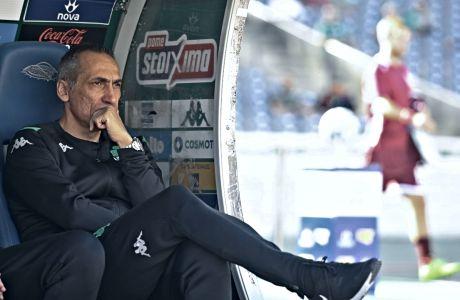Ο προπονητής του Παναθηναϊκού, Γιώργος Δώνης, σε στγιμιότυπο πριν από την αναμέτρηση με την ΑΕΛ για τη Super League 2019-2020 στο Ολυμπιακό Στάδιο, Κυριακή 27 Οκτωβρίου 2019