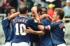 Παίκτες της Γαλλίας πανηγυρίζουν γκολ κόντρα στη Ρουμανία για τη φάση των ομίλων του Euro 1996 στο 'Σεντ Τζέιμς Παρκ', Νιούκαστλ, Δευτέρα 10 Ιουνίου 1996