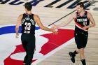 Ο Μάριο Χεζόνια των Πόρτλαντ Τρέιλ Μπλέιζερς σε στιγμιότυπο της αναμέτρησης με τους Ντάλας Μάβερικς για το NBA 2019-2020 | Τρίτη 11 Αυγούστου 2020