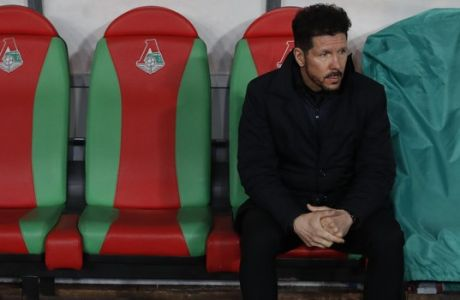 Atletico Madrid's coach Diego Simeone looks on prior to the Europa League, round of 16 second leg soccer match between Lokomotiv Moscow and Atletico Madrid, in Moscow, Russia, Thursday, March 15, 2018. (AP Photo/Pavel Golovkin)