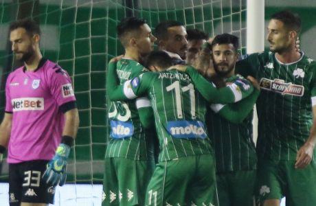 Οι παίκτες του Παναθηναϊκού πανηγυρίζουν το γκολ του Βιγιαφάνιες στο 2-0 επί του ΠΑΣ Γιάννινα στο γήπεδο της Λεωφόρου, για την 12η αγ. της Super League Interwetten   12/12/2020 (ΦΩΤΟΓΡΑΦΙΑ:ΜΑΡΚΟΣ ΧΟΥΖΟΥΡΗΣ / EUROKINISSI)
