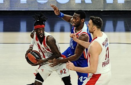 To παιχνίδι με τον Ολυμπιακό ήταν το τελευταίο για τον Μπράιαν Ντάνστον, πριν πάθει κρυοπαγήματα και χάσει 20 αγωνιστικές της Euroleague για τη σεζόν 2019-20.