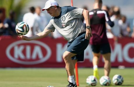 RIO DE JANEIRO, BRAZIL - JUNE 09:  Roy Hodgson, manager of England in action during a training session at the Urca military base (Forte de Urca) training ground on June 9, 2014 in Rio de Janeiro, Brazil.  (Photo by Richard Heathcote/Getty Images)