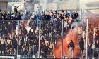 Οι συγκεντρωμένοι οπαδοί του Αιγάλεω στην εκτός έδρας αναμέτρηση με τον Ιωνικό