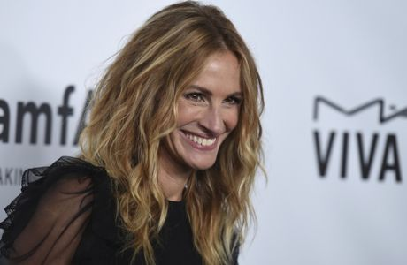 Julia Roberts attends the 2017 amfAR Inspiration Gala Los Angeles on Friday, Oct. 13, 2017, in Beverly Hills, Calif. (Photo by Jordan Strauss/Invision/AP)