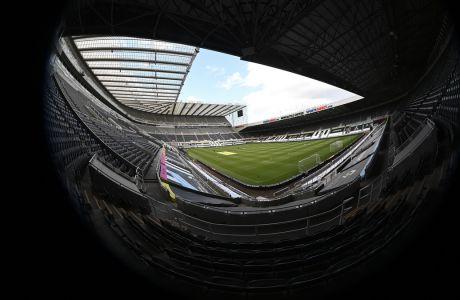 Ένα ασφαλές σχέδιο της σταδιακής επιστροφής του κόσμου στα γήπεδα προσπαθεί να εκπονήσει η Premier League για την σεζόν 2020-2021. (Laurence Griffiths/Pool via AP)