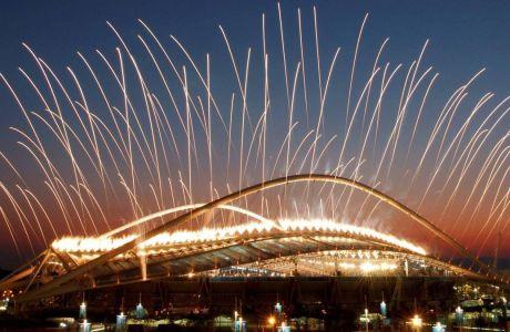 Πυροτεχνήματα κατά τη διάρκεια της τελετής έναρξης των Ολυμπιακών Αγώνων 2004 στο Ολυμπιακό Στάδιο, Παρασκευή 13 Αυγούστου 2004