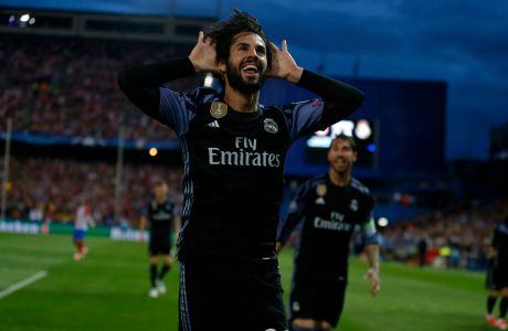 Real Madrid's Isco celebrates after scoring a goal during the Champions League semifinal second leg soccer match between Atletico Madrid and Real Madrid at the Vicente Calderon stadium in Madrid, Wednesday, May 10, 2017. (AP Photo/Francisco Seco)