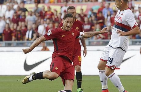 Roma's Francesco Totti prepares to shoot during an Italian Serie A soccer match between Roma and Genoa at the Olympic stadium in Rome, Sunday, May 28, 2017. Francesco Totti is playing his final match with Roma against Genoa after a 25-season career with his hometown club. (AP Photo/Alessandra Tarantino)