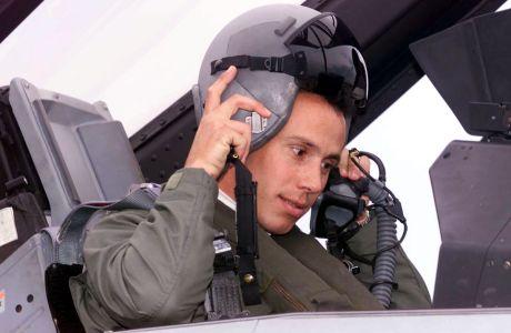 Πτήση του Κώστα Κεντέρη με F-16 από το αεροδρόμιο της Τανάγρας | Τετάρτη 7 Νοεμβρίου 2001