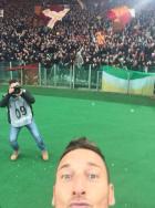 """""""Αυτοκράτορας της Ρώμης"""" ο Τότι: 2 γκολ και selfie! (VIDEO)"""