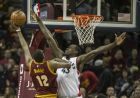 Cleveland Cavaliers' Jordan McRae (12) during an NBA basketball game in Cleveland, Tuesday, Nov. 15, 2016. (AP Photo/Phil Long)