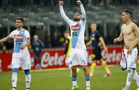 Napoli's Lorenzo Insigne, center, celebrates with his teammates Elseid Hysaj, left, and Jose Callejon after winning during the Serie A soccer match between Inter Milan and Napoli at the San Siro stadium in Milan, Italy, Sunday, April 30, 2017. (AP Photo/Antonio Calanni)