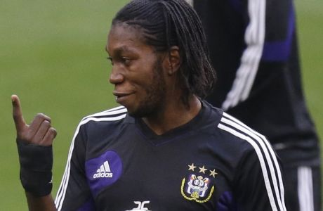 Anderlecht forward Dieumerci Mbokani of Congo gestures during a training session in view of tomorrow's  Champions League, Group C soccer match against AC Milan at the San Siro stadium in Milan, Italy, Monday, Sept. 17, 2012. (AP Photo/Luca Bruno)