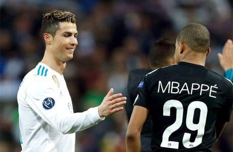"""Ρονάλντο και Μπαπέ μετά το ματς της Ρεάλ με την Παρί στο """"Μπερναμπέου"""" (3-1) για τους """"16"""" του Champions League (14/2/2018)."""