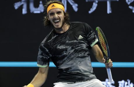 Ο Στέφανος Τσιτσιπάς πανηγυρίζει τη νίκη του επί του Αλεξάντερ Ζβέρεφ στα ημιτελικά του China Open 2019, Πεκίνο, Σάββατο 5 Οκτωβρίου 2019