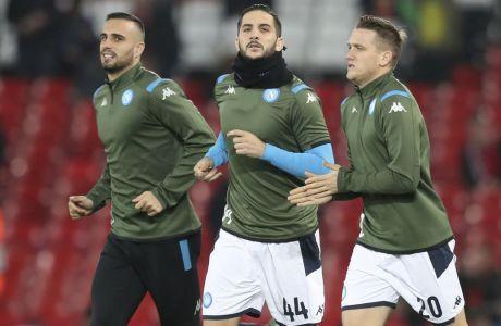 O Κώστας Μανωλάς στην προθέρμανση της Νάπολι πριν την σέντρα της αναμέτρησης με τη Λίβερπουλ στο 'Anfield', για το Group E στο Champions League 2019-2020 (27/11/2019). AP Photo/Jon Super