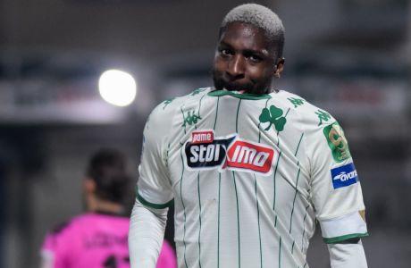 Απογοητευμένος ο Σανγκαρέ, μετά την ήττα του Παναθηναϊκού με 1-0 από τον ΠΑΣ Γιάννινα στους 'Ζωσιμάδες', για την 25η αγωνιστικής της Super League Interwetten | 06/03/2021 (ΦΩΤΟΓΡΑΦΙΑ: ΛΕΩΝΙΔΑΣ ΜΠΑΚΟΛΑΣ / EUROKINISSI)