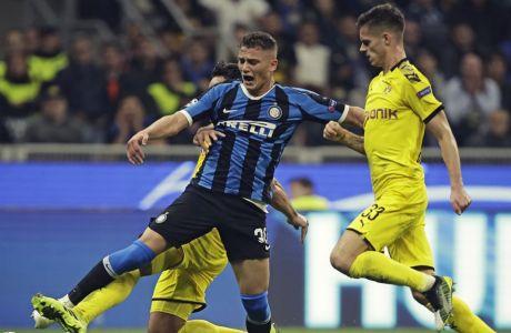 Ο Σεμπαστιάνο Εσπόζιτο στον αγώνα του Champions League με αντίπαλο την Ντόρτμουντ