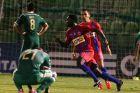 Ο Ολιβιέ Μπουμάλ του Πανιωνίου πανηγυρίζει γκολ που σημείωσε κόντρα στον Παναθηναϊκό για τη Super League 2014-2015 στο 'Απόστολος Νικολαΐδης' | Κυριακή 31 Αυγούστου 2014