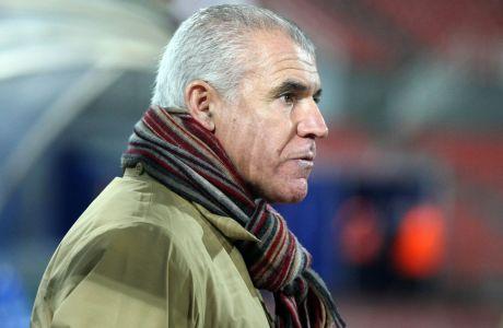 Ο Νίκος Αναστόπουλος, ως προπονητής του ΟΦΗ, σε αγώνα με τη Δόξα Δράμας για τη Super League 2011-2012 στη Δράμα, Τετάρτη 7 Δεκεμβρίου 2011