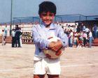 Ο Τσάβι έκανε τα πρώτα του ποδοσφαιρικά βήματα σε ηλικία 4 ετών στα φυτώρια της Unió Jabac i Terassa.