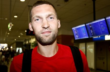 21/06/2017 Arrival of Janis Strelnieks for Olympiacos BC  Photo by: Andreas Papakonstantinou / Tourette Photography