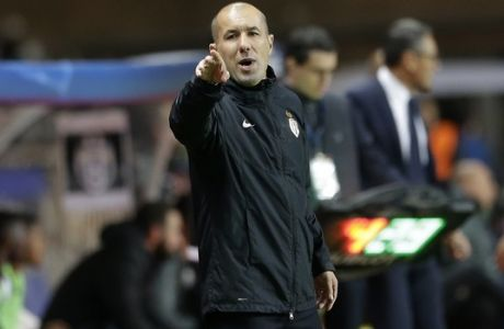 Monaco's head coach Leonardo Jardim gives instructions during the Champions League semifinal first leg soccer match between Monaco and Juventus at the Louis II stadium in Monaco, Wednesday, May 3, 2017. (AP Photo/Claude Paris)