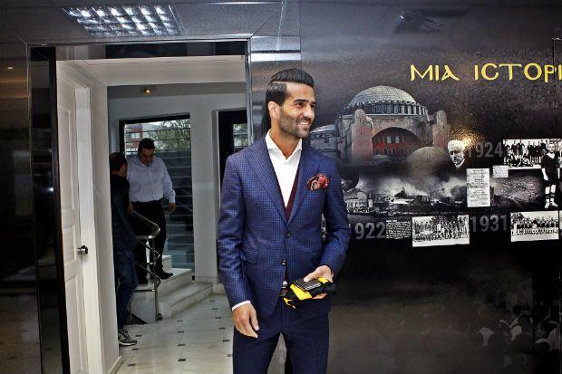 Η Μπέμπα , το Rolex και η σιγουριά του σταρ Μασούντ για τον τίτλο!