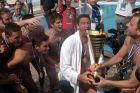 Ο Νίκος Δεληγιάννης του Ολυμπιακού πανηγυρίζει με συμπαίκτες του την κατάκτηση του Κυπέλλου Ελλάδας 2012-2013 απέναντι στη Βουλιαγμένη στο Κολυμβητήριο Λαμίας | Σάββατο 18 Μαΐου 2013