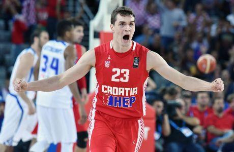 Ο Μάριο Χεζόνια της Κροατίας πανηγυρίζει κόντρα στην Ελλάδα για τη φάση των ομίλων του EuroBasket 2015 στην 'Αρένα Ζάγκρεμπ', Ζάγκρεμπ | Κυριακή 6 Σεπτεμβρίου 2015