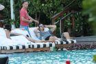 Ο Ζλάταν ξεκινάει την επιστροφή του από... πισίνα στο Μαϊάμι!